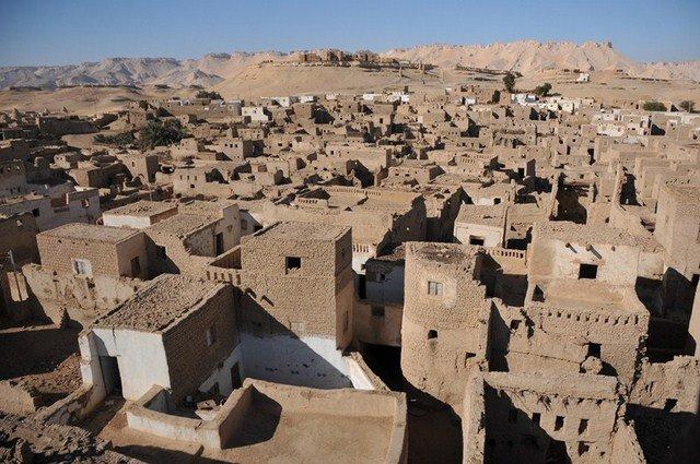 El-Qasr cité médiévale, Oasis de Dakhla dans e). Désert du Sahara EGP_7972-Copier-640x480